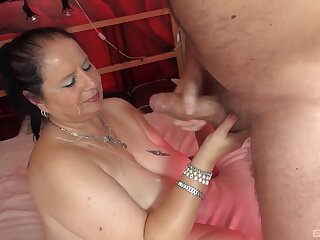 Amateur homemade flick of a heavy wife getting penetrated
