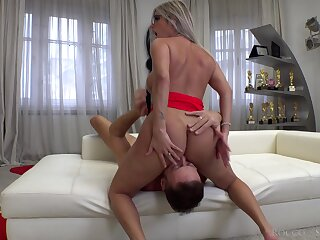 Curvy babe first time riding the big dick superior to before cam
